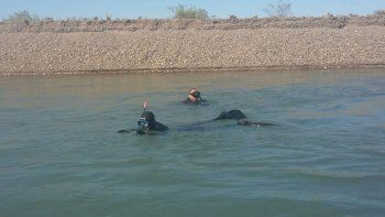 infructuosa busqueda de los buzos del chico desaparecido en el rio limay