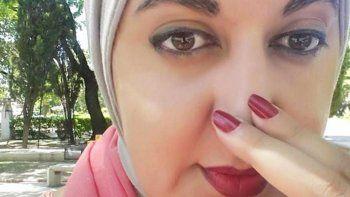La joven dijo que en dos entidades de Villa María le pidieron que se fuera por el hiyab, el velo que cubre la cabeza.