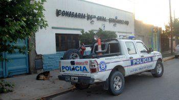 La comisaría de Fernández Oro trabaja en la búsqueda del abusador.