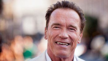 Schwarzenegger también critica la orden migratoria de Trump