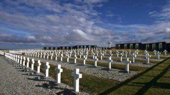 Argentina busca identificar a sus soldados muertos