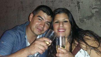 El hombre se llama Diego Loscalzo, tiene 35 años y trabaja en Metrovías. Su mujer, Romina Maguna, lo había denunciado en julio por violencia.