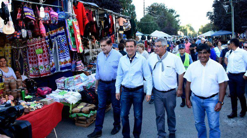 Omar Gutiérrez en la Fiesta del Puestero con Pereyra y Corazzini.