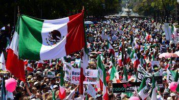 Miles de personas marcharon contra las políticas de Trump