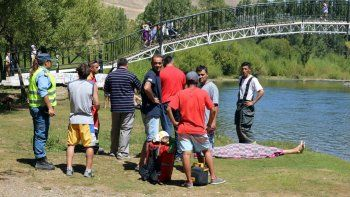 Identificaron al joven hallado en el río Chimehuin