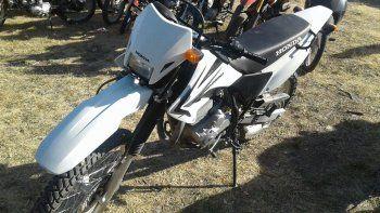El joven circulaba en una moto Honda Tornado 250cc.