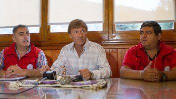Autoridades de San Martín de los Andes siguen de cerca la actividad del volcán Lanín.