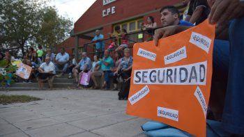 Los vecinos de Mudón vuelven a las asambleas para ganar la calle.