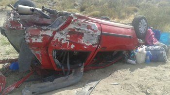 Fuerte choque en la Ruta 40 entre un auto y una camioneta: dos neuquinos están graves