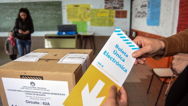 ¿Cuántas agrupaciones políticas y candidatos se presentaron camino al 10M?