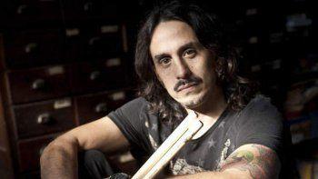 el baterista del indio solari sufre esclerosis multiple