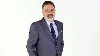 Maxi Oliva, el ex campeón del reality, trasladado por médicos y bomberos.