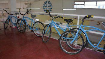 presos de la u11 terminaron las primeras bicicletas que seran entregadas a los estudiantes de la unco