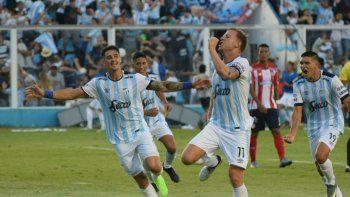 Atlético Tucumán goleó y pasó a la siguiente fase de la Libertadores
