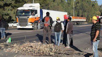 Los municipales de Plaza Huincul reclaman un aumento salarial del 35%.