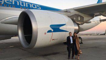 macri vuelve de espana en un vuelo de aerolineas