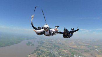 Un hombre de 51 años murió al no abrirse su paracaídas