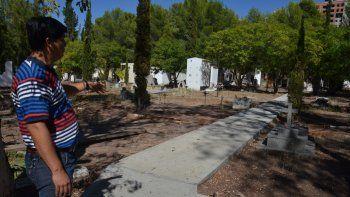 El Cementerio Central de Neuquén también está colapsado. Buscan incrementar el servicio de cremaciones.