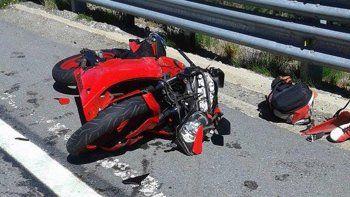 Motociclista herido grave tras chocar contra una camioneta