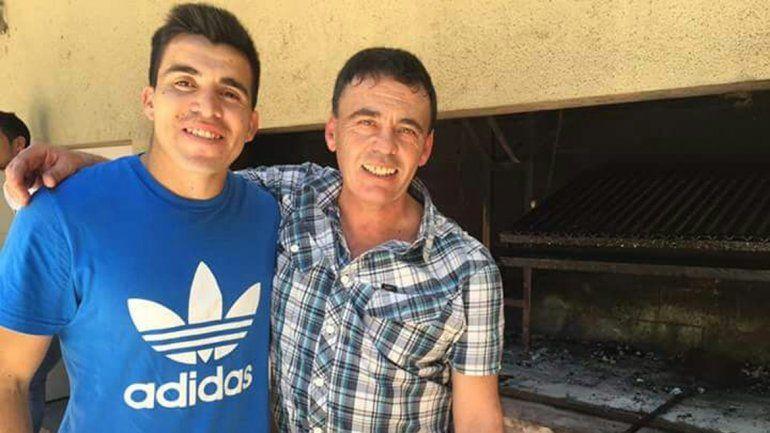 Marcos Acuña, junto a su amigo Rouret, con el que tiene la linda cábala.