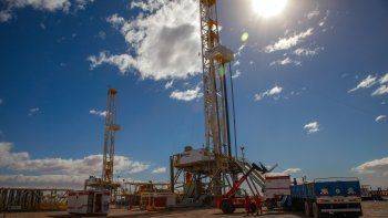 Aprueban el acuerdo de YPF y Shell para explotar Bajada de Añelo