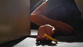 Diego Borquez estaba en una casa con amigos y al inahalar el gas butano empezó a sufrir convulsiones y murió.
