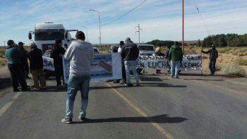 Petroleros volvieron a cortar la Ruta 22 por los despedidos