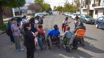 Cortaron la calle frente a la Jucaid por la baja de pensiones nacionales