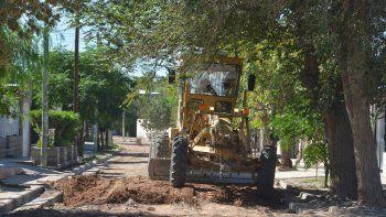 Una motoniveladora, ayer, trabajando en barrio El Progreso.