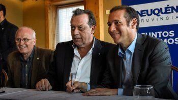 Omar Gutiérrez y el ministro de Turismo de la Nación, Gustavo Santos.