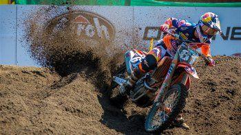 Villa La Angostura volvió a vibrar con el show del motocross. Ayer fueron las series clasificatorias y hoy, después del mediodía, irán las finales.