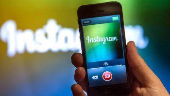La versión 10.12 de Instagram permite guardar el video en tu celular.