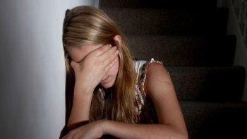 Las violaciones ocurrieron cuando la adolescente vivía con los tíos junto a sus hermanos.