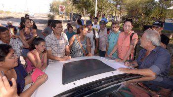 El bloqueo de la ruta en Parque Industrial duró 10 horas. Los vecinos que usurparon tierras en el Cañadón de las Cabras serán recibidos por el Gobierno.