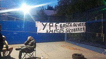 transportistas que protestaban en ypf se fueron de la sede talero