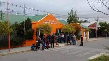 Continúa tomado el municipio de El Chañar por trabajadores de ATE
