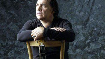 Norberto Pappo Napolitano vive en su música a través del tiempo.