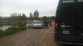 El Polo gris fue retirado del canal por la Policía.