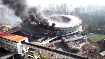 Se incendió el estadio del equipo de Carlitos Tevez