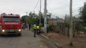 una mujer se peleo con su hija y le prendio fuego la casa: termino sedada y detenida por la policia