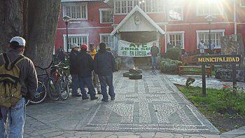 Municipales de Junín levantaron la toma del edificio comunal