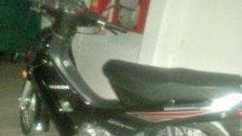La moto robada a la que luego le desarmaron el GPS era una Honda.