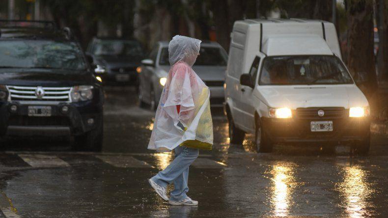La lluvia comenzó ayer cerca de las 17 y se extendió hasta la noche.