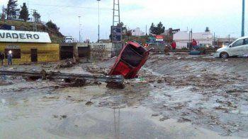 Inician campañas solidarias para los damnificados de Comodoro Rivadavia tras el intenso temporal