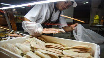 En las vísperas del fin de semana largo los aumentos en pescados se comenzaron a sentir. La merluza es la variedad más popular.