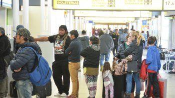 El movimiento de pasajeros en la terminal previsto para Semana Santa será similar al que hubo durante los de meses de verano.