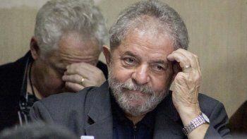 Lula desafió a que demuestren si pidió cinco centavos siquiera.