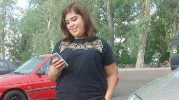 desesperada busqueda de una adolescente en plaza huincul