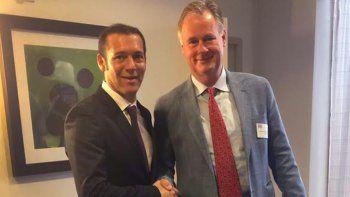 El gobernador junto Laurens Gaarenstroom (General Manager No Convencionales-Argentina).