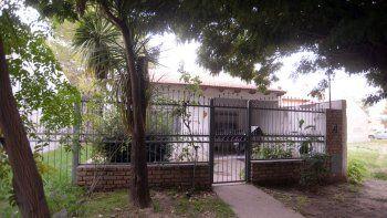La casa donde ocurrió el violento ataque en el barrio Hunter I de Plottier.